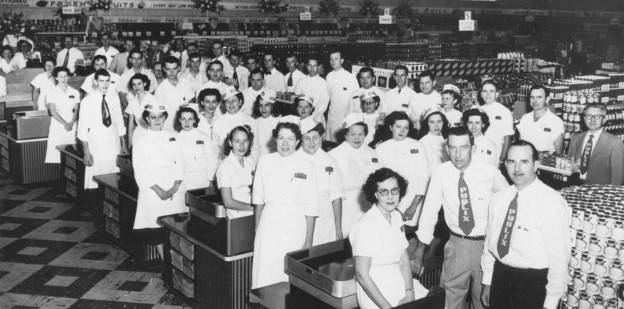 vintage Publix Super Market group photo of employees
