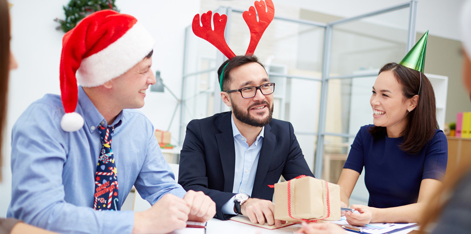 5 Fun Holiday Workplace Party Ideas to Try This Season