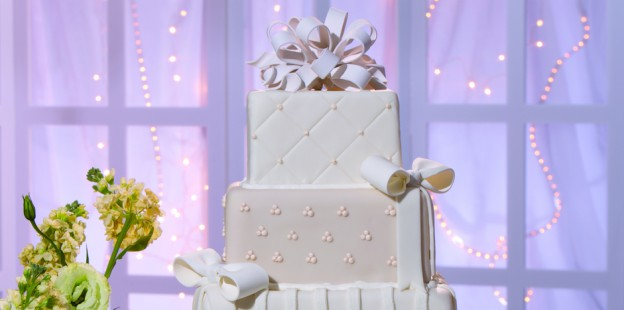 Classic Ivory wedding cake no wine