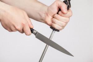 11_AH_Knife Skills_ Sharpening body image 2