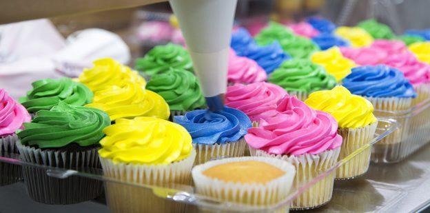 Publix Bakery decorator icing cupcakes