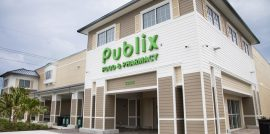Front of Publix grocery store in the Keys