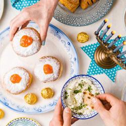 Publix Aprons Hanukkah Meals