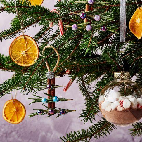 Festive CHRISTMAS TREE Pin Open Back Rhinestones
