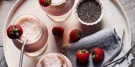 Smoothies on plate